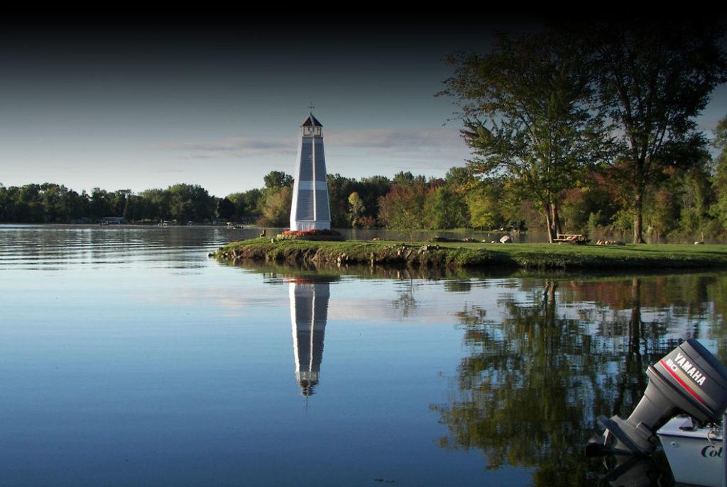 Klines Resort Lighthouse on lake